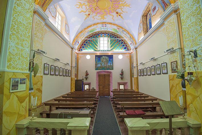 Kirchenschiff-hintenS